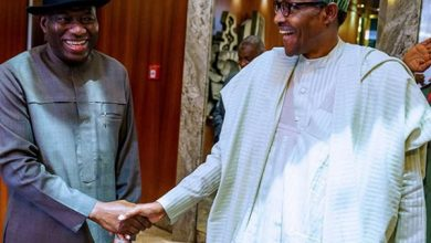 Photo of Buhari, ex-President Jonathan meet in Aso Rock